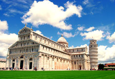 Cattedrale di Pisa con la torre pendente di Pisa fotografia stock