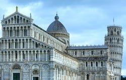 Cattedrale di Pisa con la torre pendente di Pisa (Italia) Fotografie Stock Libere da Diritti
