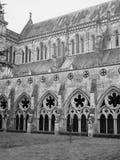 Cattedrale di Salisbury a Salisbury in bianco e nero immagine stock libera da diritti