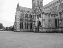 Cattedrale di Salisbury a Salisbury in bianco e nero immagine stock