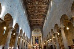 Cattedrale di San Zeno Interiors - Pistoia Italia immagine stock