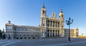 Cattedrale di St Mary il reale di La Almudena a Madrid Fotografia Stock