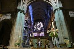 Cattedrale di Windows Saint Malo del vetro macchiato--  La Francia immagini stock