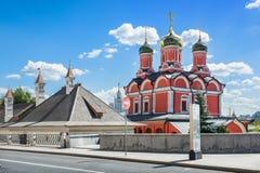 Cattedrale di Znamensky su Varvarka Immagine Stock