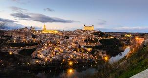 Cattedrale e alcazar di Toledo immagine stock