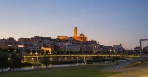 Cattedrale e città di Lleida con il cielo di sera Immagini Stock Libere da Diritti