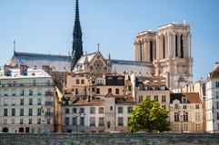 Cattedrale e città storica Immagini Stock