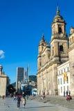 Cattedrale e grattacieli fotografia stock