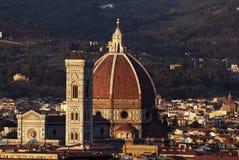 Cattedrale a Firenze e la notte fotografia stock