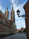 Cattedrale gotica di St John il battista sull'isola di Tumski Uno dei punti di riferimento famosi nella città wroclaw Fotografia Stock