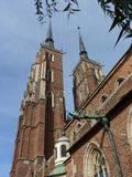 Cattedrale gotica di St John il battista sull'isola di Tumski Uno dei punti di riferimento famosi nella città wroclaw Fotografie Stock Libere da Diritti