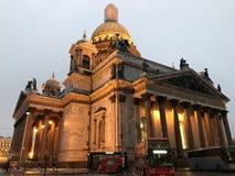 Cattedrale nella penombra fotografia stock libera da diritti