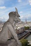 Cattedrale Notre Dame della statua del Gargoyle Immagine Stock