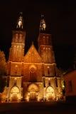 Cattedrale a Praga alla notte Fotografia Stock