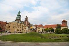 Cattedrale reale del castello di Wawel a Cracovia, Polonia fotografie stock libere da diritti