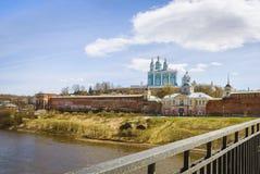 Cattedrale santa di presupposto smolensk La Russia Vista dal ponte fotografia stock libera da diritti