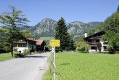 Cattivo Oberdorf nelle alpi di Allgaeu in Baviera Immagini Stock
