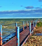Catwalk på Lake Michigan i port Washington Wisconsin Arkivbilder