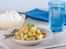 Cau Cau, en potatis och komage låter småkoka, en typisk maträtt från Peru Royaltyfria Bilder