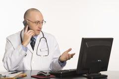 caucasian doktorsmanlig arkivfoto