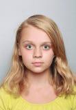 Caucasian liten flickacloseupstående arkivfoton