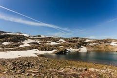 caucasus заволакивает ushba неба гор горы ландшафта shurovky Норвежская сценарная трасса Aurlandsfjellet стоковое изображение