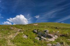 caucasus заволакивает ushba неба гор горы ландшафта shurovky прикарпатский взгляд сверху гор Лето Стоковая Фотография RF