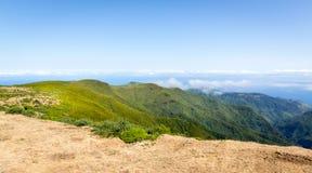 caucasus заволакивает ushba неба гор горы ландшафта shurovky Стоковая Фотография