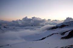 caucasus bergsolnedgång Arkivfoton