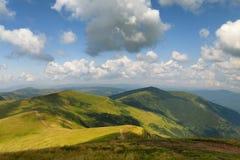 caucasus clouds ushba för sky för liggandebergberg shurovky övre sikt för carpathian berg Sommar Fotografering för Bildbyråer