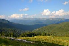 caucasus clouds ushba för sky för liggandebergberg shurovky Arkivfoton