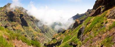 caucasus clouds ushba för sky för liggandebergberg shurovky Royaltyfria Foton