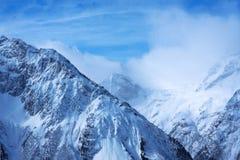 caucasus Dombay härliga berg Arkivfoto