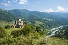 caucasus Forntida kyrka Arkivfoton
