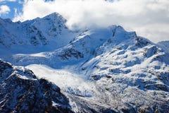 Caucasus mountains-12 arkivfoton