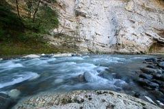 caucasus Río Dzhampal de la montaña foto de archivo libre de regalías