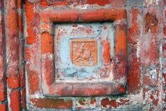 Cauda velha na fachada da igreja do Saint Nicolas em Yaroslavl, Rússia Fotos de Stock Royalty Free