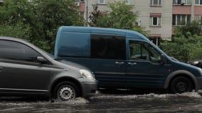 Caudales de una crecida en el camino en Kiev