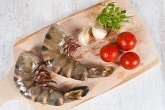 Caudas cruas dos camarões imagem de stock royalty free