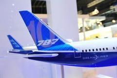 Caudas dos modelos 787-10X Dreamliner e 777-300ER de Boeing em Singapura Airshow Fotografia de Stock Royalty Free
