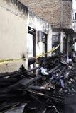 Causa de la casa de la quemadura por la explosión de la estufa Foto de archivo libre de regalías
