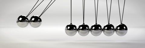 Causa - e - conceito do efeito, berço do ` s de Newton do metal com as duas bolas no movimento em uma bandeira branca da ilustraç Fotos de Stock