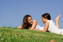 Causerie de jeunes filles Photos stock