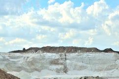 Cava per l'estrazione della sabbia bianca Fotografia Stock Libera da Diritti