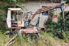 Cavador abandonado y roto viejo Imagen de archivo