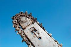 Cavador del foso sobre el cielo azul Imagenes de archivo