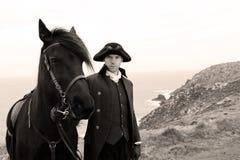 Cavaleiro considerável do cavalo no traje do século XVIII de Poldark da regência imagem de stock royalty free