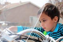 Cavaleiro de Motorcyle da criança fotos de stock
