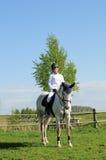 Cavaleiro do cavalo e da rapariga fotos de stock royalty free