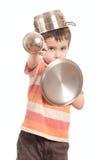 Cavaleiro do jogo do rapaz pequeno com cozinha Fotos de Stock